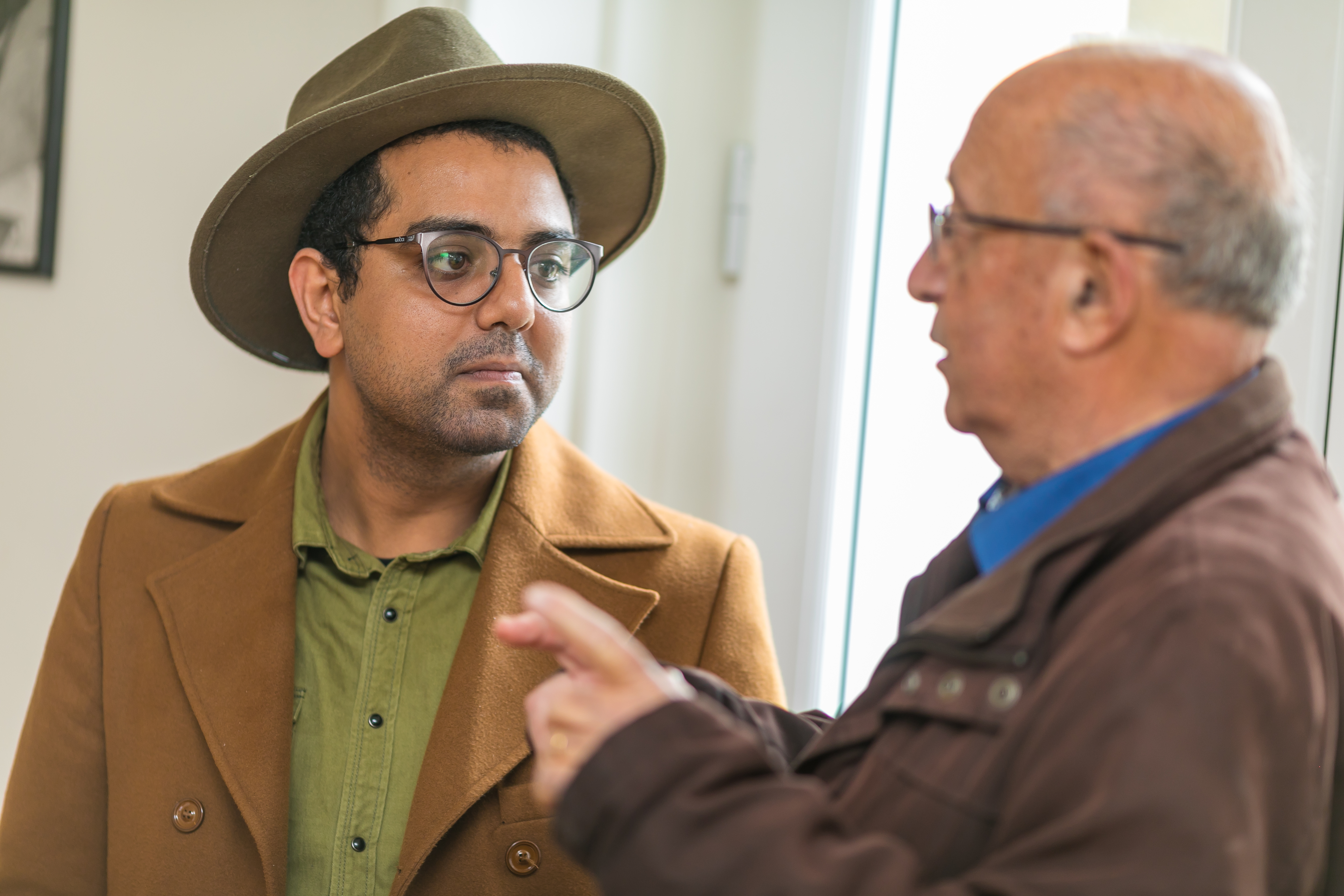 Mr. Mohammad Bamm, ICORN writer in residence in Poitiers from January 2019, together with Roland Sérazin, grandson of Jean-Richard Bloch, during the inauguration of the Villa Bloch on 9 February 2019. ©iBooCréation, Ville de Poitiers. Photo.