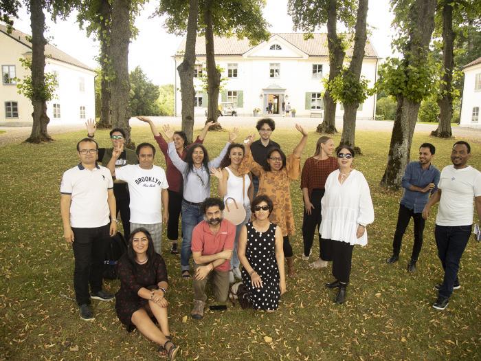 14 writers, artists and musicians took in ICORN residency in Sweden, Denmark and Norway were gathered at the Foundation Biskops Arnö for a Creative Writing Seminar. From left: Weli Ayup, Iman Al Ghafari, Saiidi Sharif, Seywan Saeedian, Ashraff Bagheri, Mahideh Golroo, Jahanara Nuri, Ali Thareb, Ola Housamo, Babak Salimzadeh, Susanne Ibrahim, Kajsa Sundin, Supriti Dahr, Milagros Socorro, Tsegabrhan Goitom Habtemariam. Photo