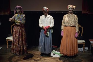 """From the play """"Blendahvitt"""" at Teatret Vårt Molde. Photo."""