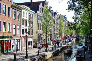 Amsterdam. Photo and copyright: Claudio.Ar/Creative Commons