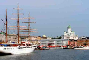 Helsinki historical center. Photo wikimedia commons. Photo.