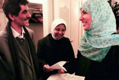 Kari Klyve-Gulbrandsen (from Stavanger Aftenblad) Mansur Rajih (left), his wife Afrah Mohamed Ghalion and Tawakkol Karman.